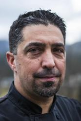 Visalia native L. Brian Velazquez takes over as Executive Chef for Crab Cakes, a popular restaurant in Oakhurst, CA, just south of Yosemite National Park.