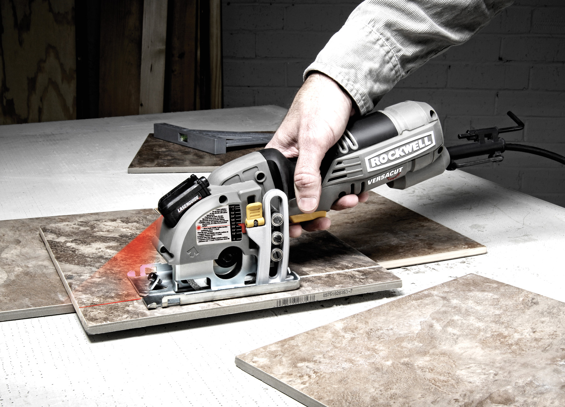 circular saw guide for straight cuts