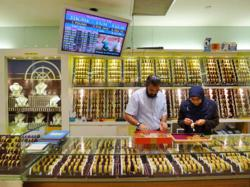 Buying Gold Jewelry in Mustafa Singapore
