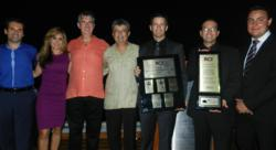 Sirenis Premium Traveler Club and Sirenis Hotel staff accept RCI awards.