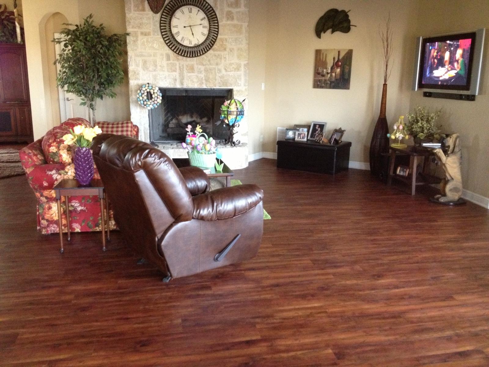 Dallas Flooring Warehouse Introduces Waterproof Click Lock Vinyl Plank For
