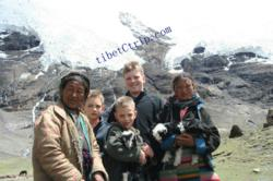 Tibet family tour,  Tibet family travel photo,Family vacation travel photo in Tibet