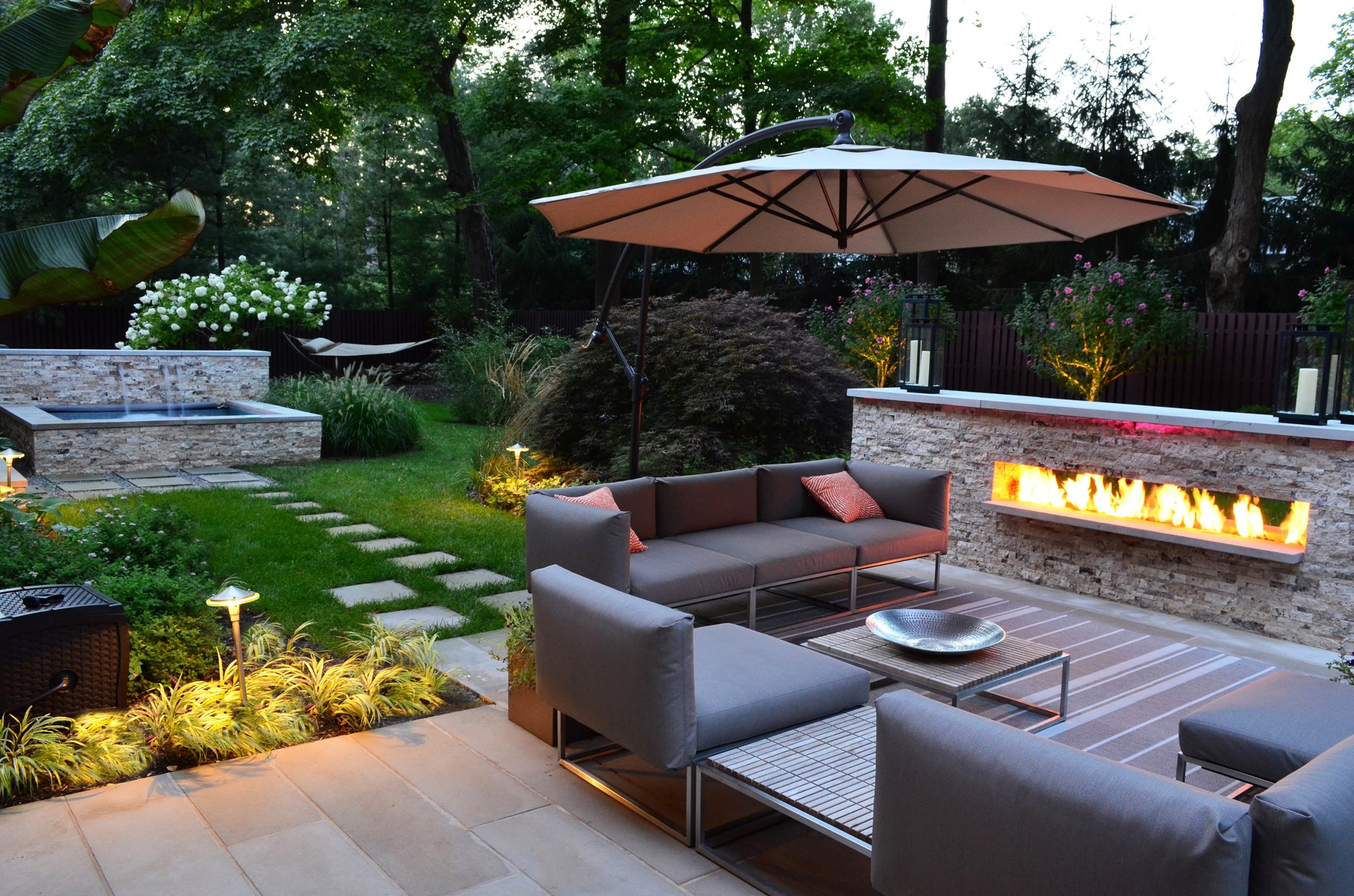 The modern landscaping from cipriano landscape design created a