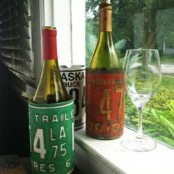 Recycled License Plate Wine Bottle Koozie Holders from BrightandBold.com