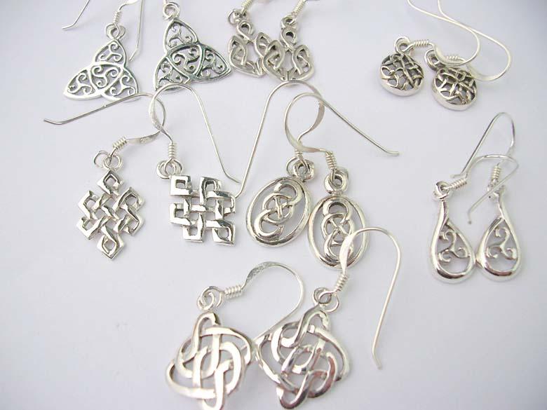 jewelry distributor wholesalesarong com announces new