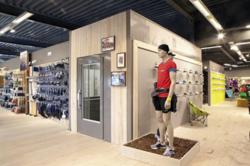 Aritco 9000 Cabin Lift in Sports Shop