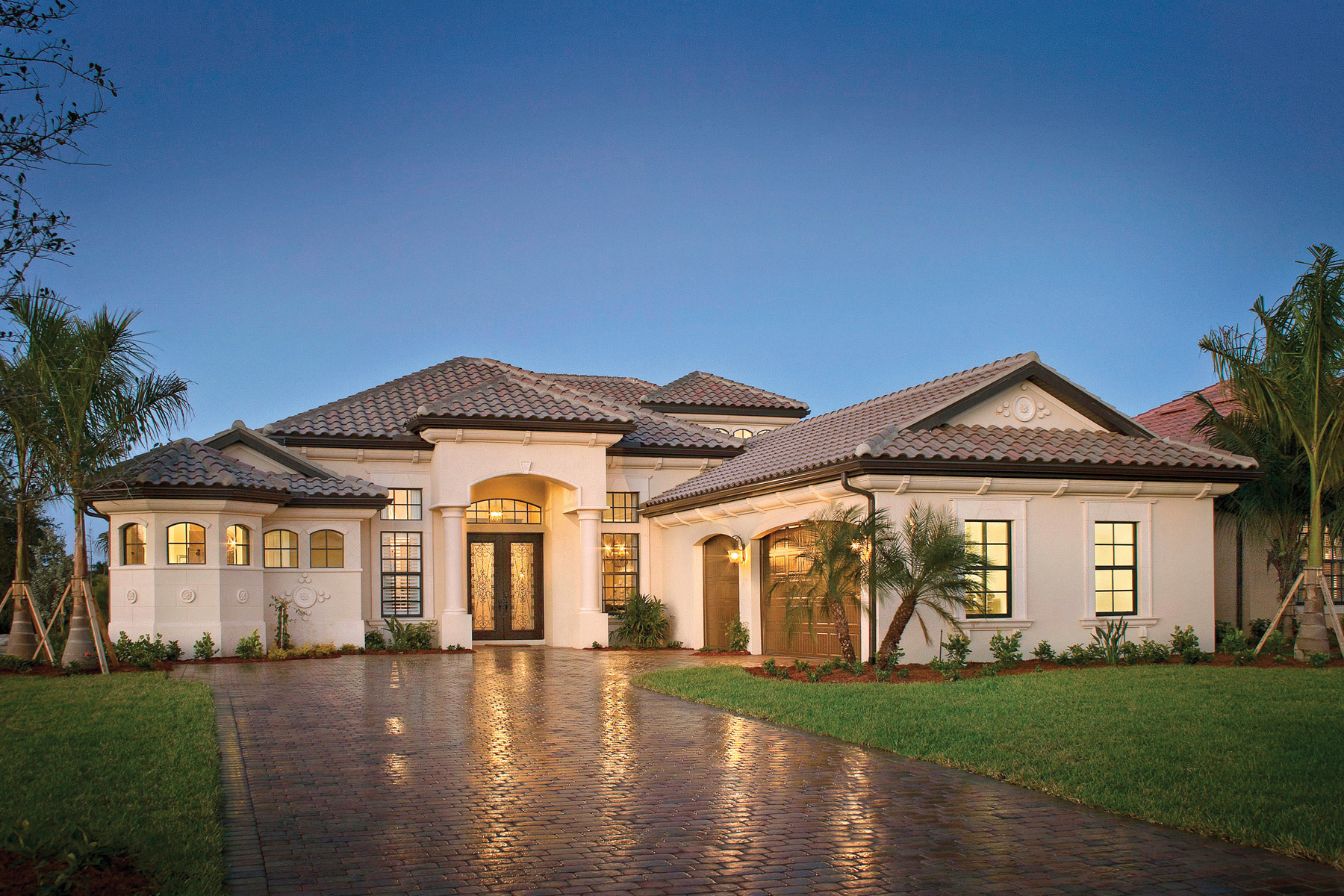 Laurel luxury model home completed at runaway bay in for Luxury houses in florida
