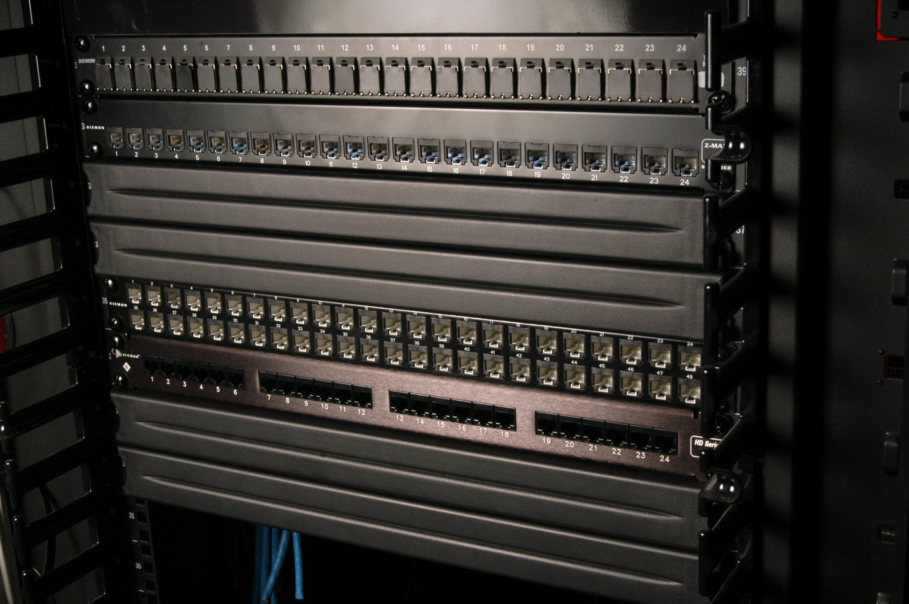 Siemon Expands Data Center Airflow Solutions With Toolless