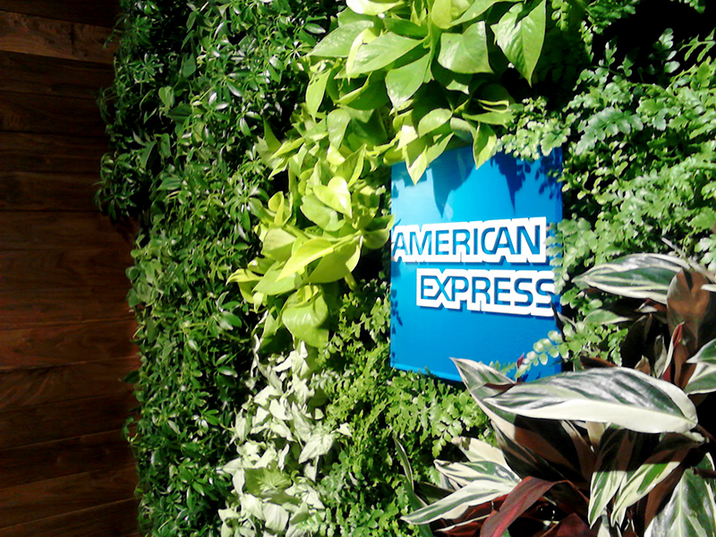 Gsky Living Green Wall Offers Escape For Travelers Inside