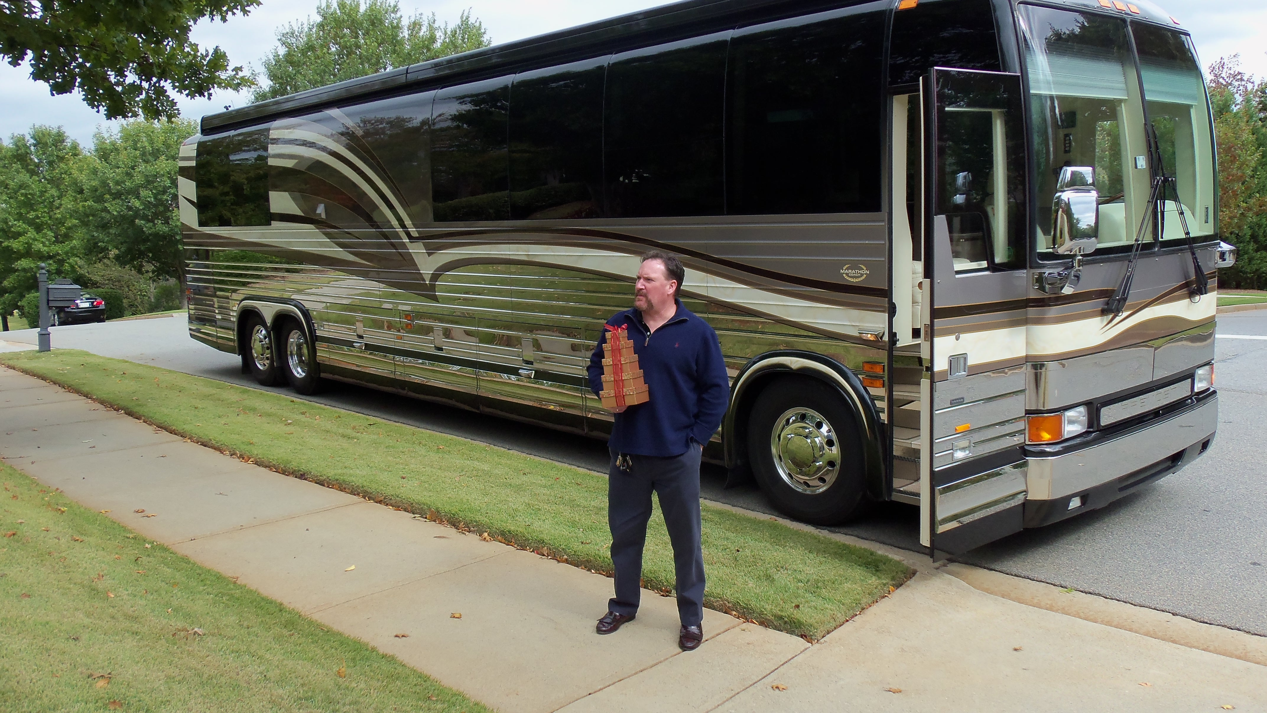 Luxury rv exterior - Luxury Motorhome Rental Private Driver Executive Services Selections A Private Driver