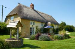 Eagles Nest is a thatched holiday cottage in Dorset sleeping 8.