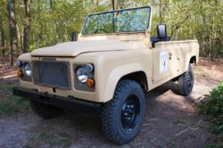 eLandy, a fully electric Land Rover to be used as safari vehicle