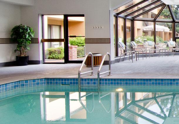 Courtyard Portland Beaverton Jumps Into Season With New Saltwater Pool