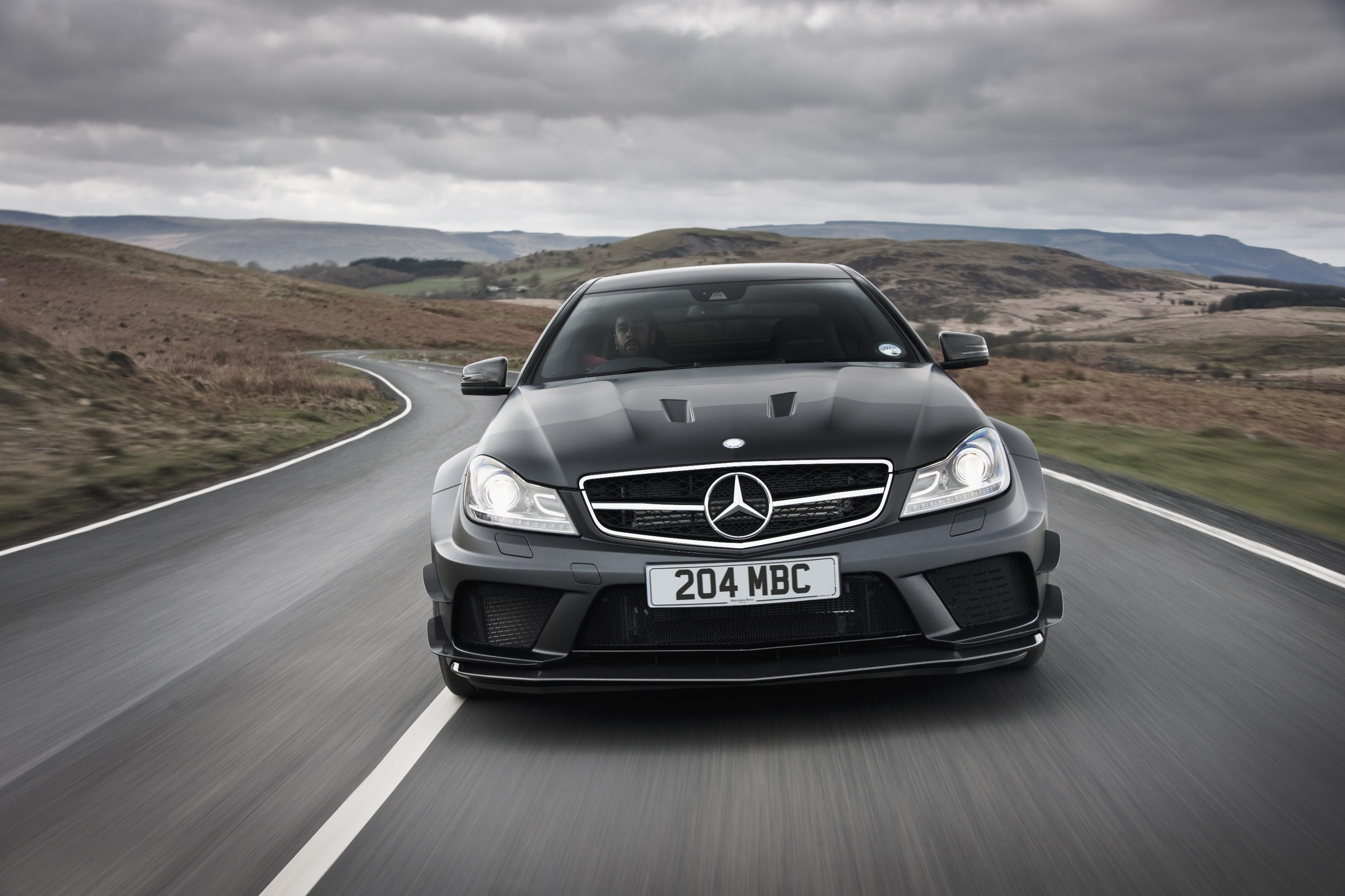 Win a driving experience at mercedes world with leaseplan go for Win a mercedes benz