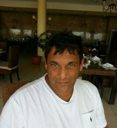 Daniel escorted a client to a South African rehab and manages to find time for a quick lunch before returning to the UK