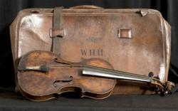 Pigeon Forge, Tennessee, Titanic Museum Attraction, titanic violin,