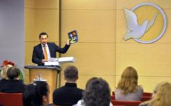 At the human rights educators conference at the Moscow Church of Scientology, Mihail Donchenko, Executive Director of Youth for Human Rights Moscow, described the Youth for Human Rights Educator's Guide.