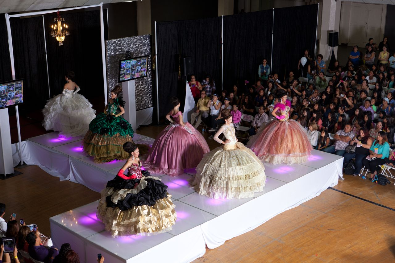 Quinceanera Com Expo And Fashion Show In Los Angeles