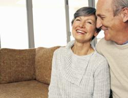 Older couple who are pleased with their credit score
