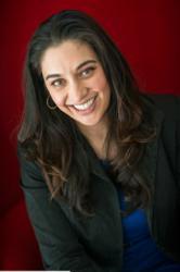 Dr. Simone Ahuja