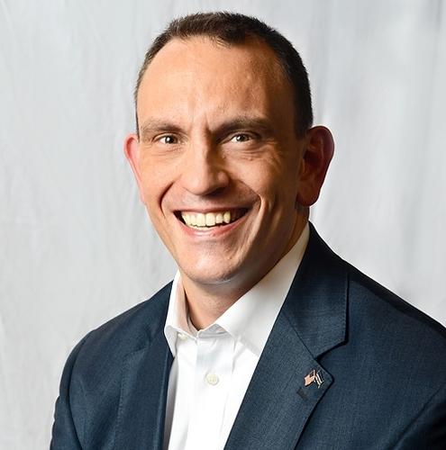 Growth Coach Ingar Grev Interviews General Motors Ceo To