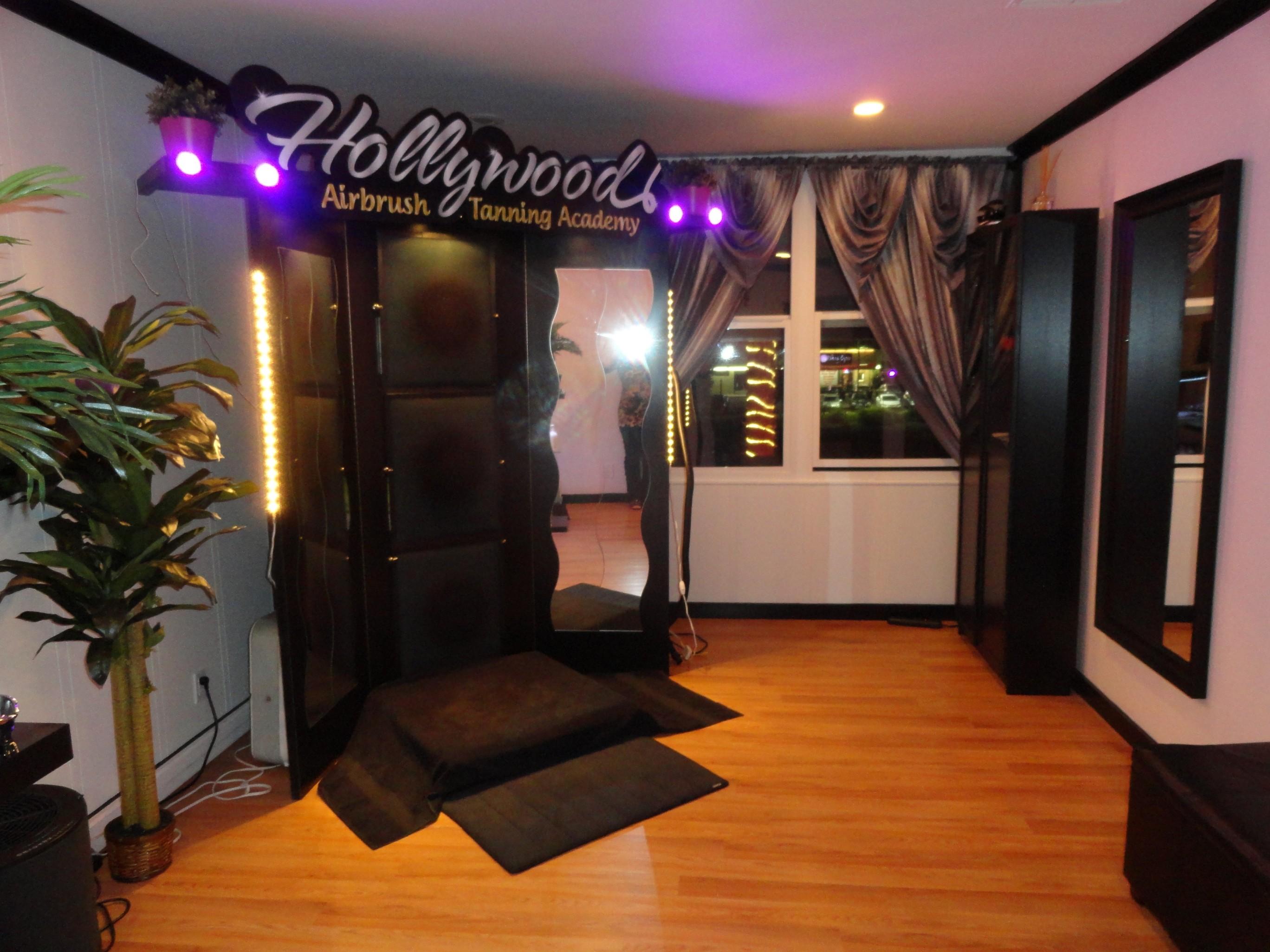 Hollywood Airbrush Tanning Academy New Spray Tanning & Training Studio