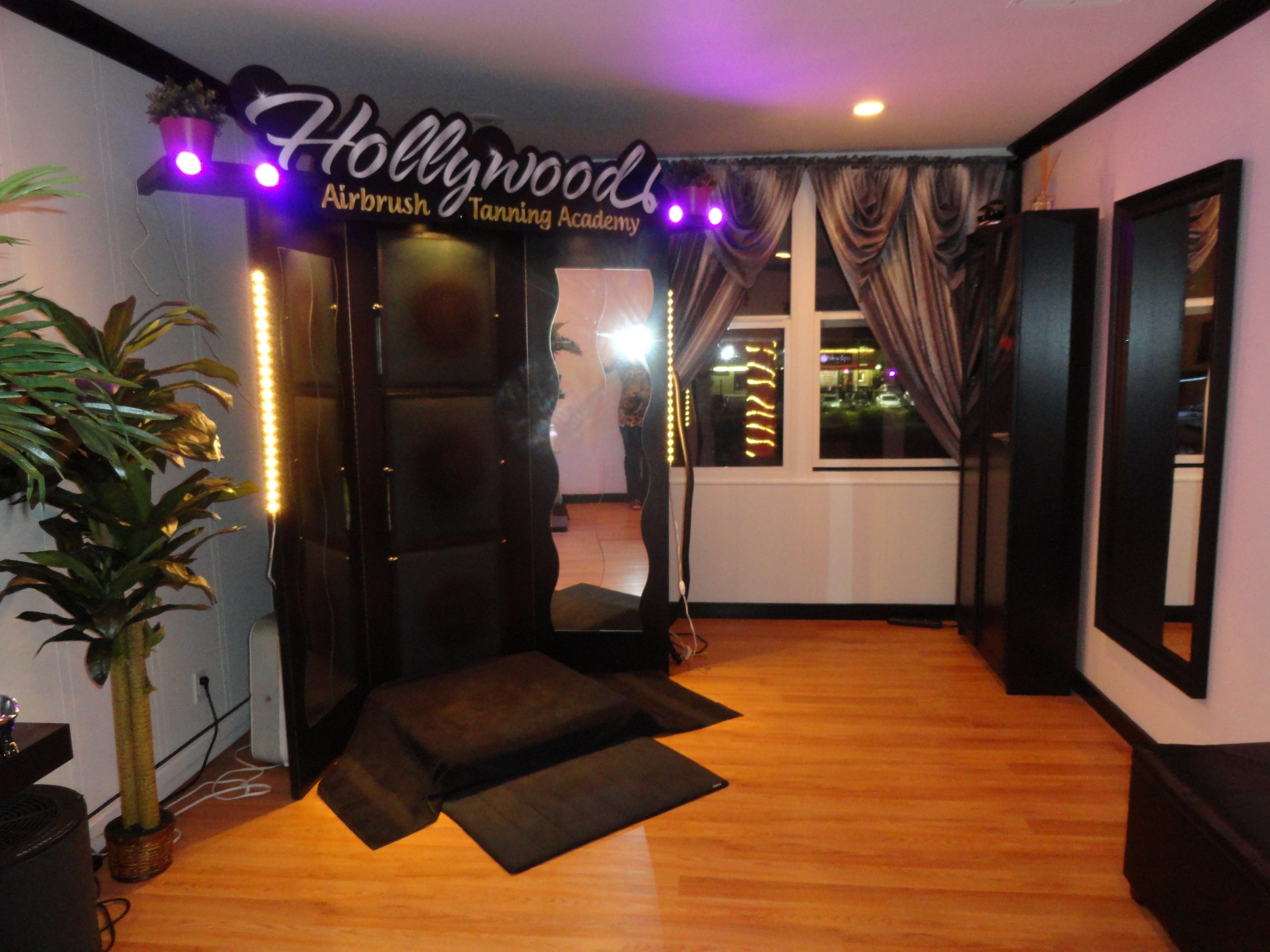 tanning salon owner from south korea completes her airbrush hollywood airbrush tanning academy spray tanning training studio