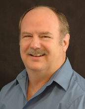 Dallas Dentist, Dr. Keith Brewster is dedicated to providing trusted cosmetic dentistry such as teeth whitening, veneers and dental implants.