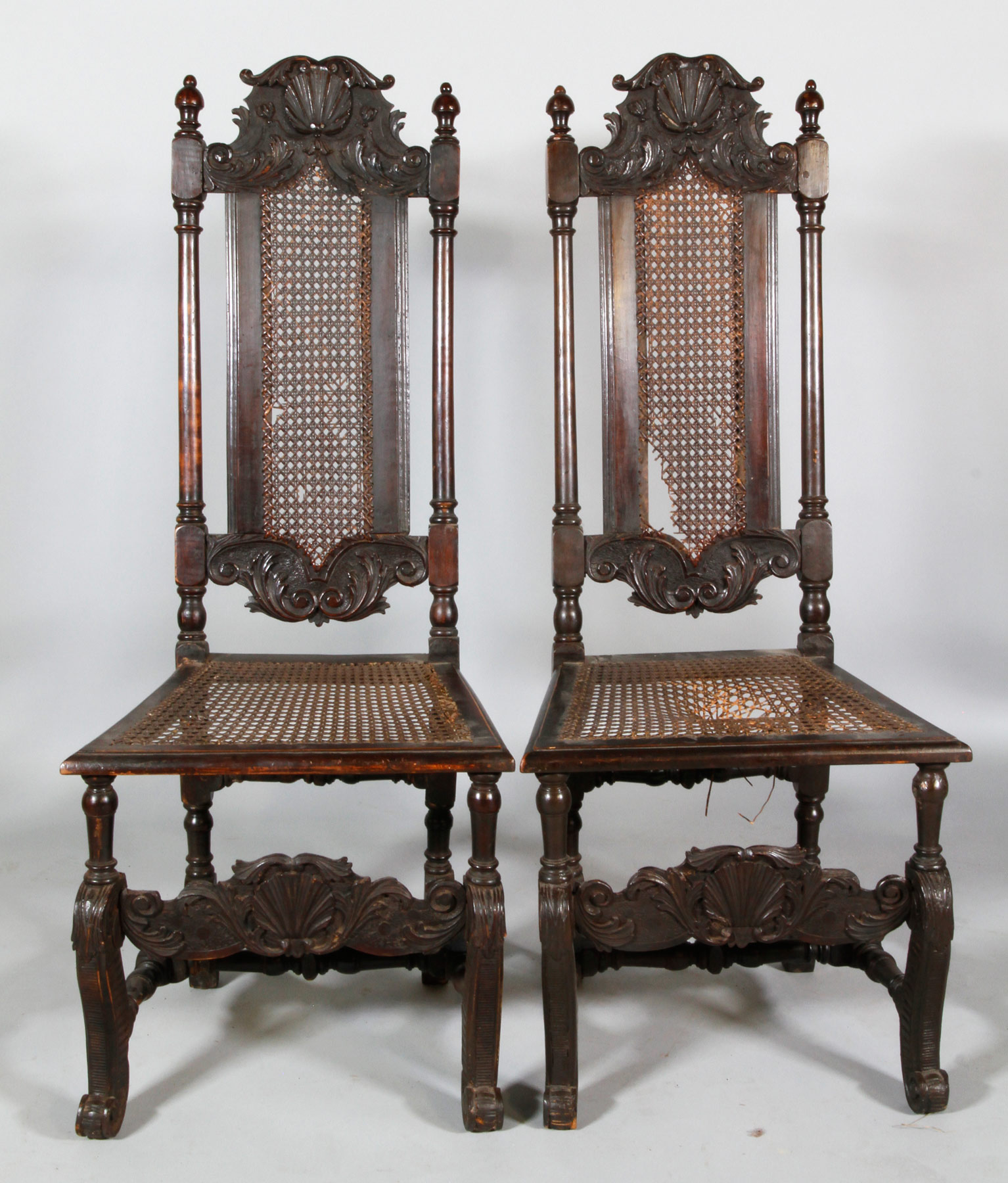 Pair Of William And Mary Scallop Carved Side Chairs ...