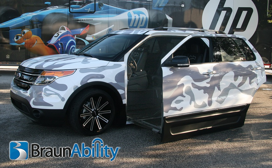 braunability and west coast customs unveil concept suv for wounded warrior. Black Bedroom Furniture Sets. Home Design Ideas