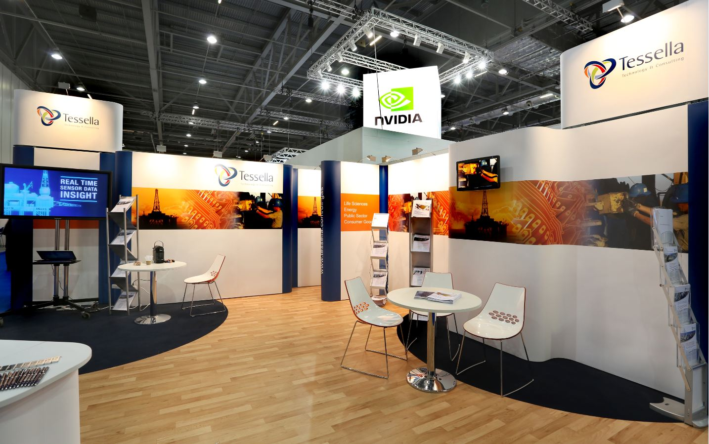 Exhibition Stand Build Up : Quadrant design and build their tallest ever pop up