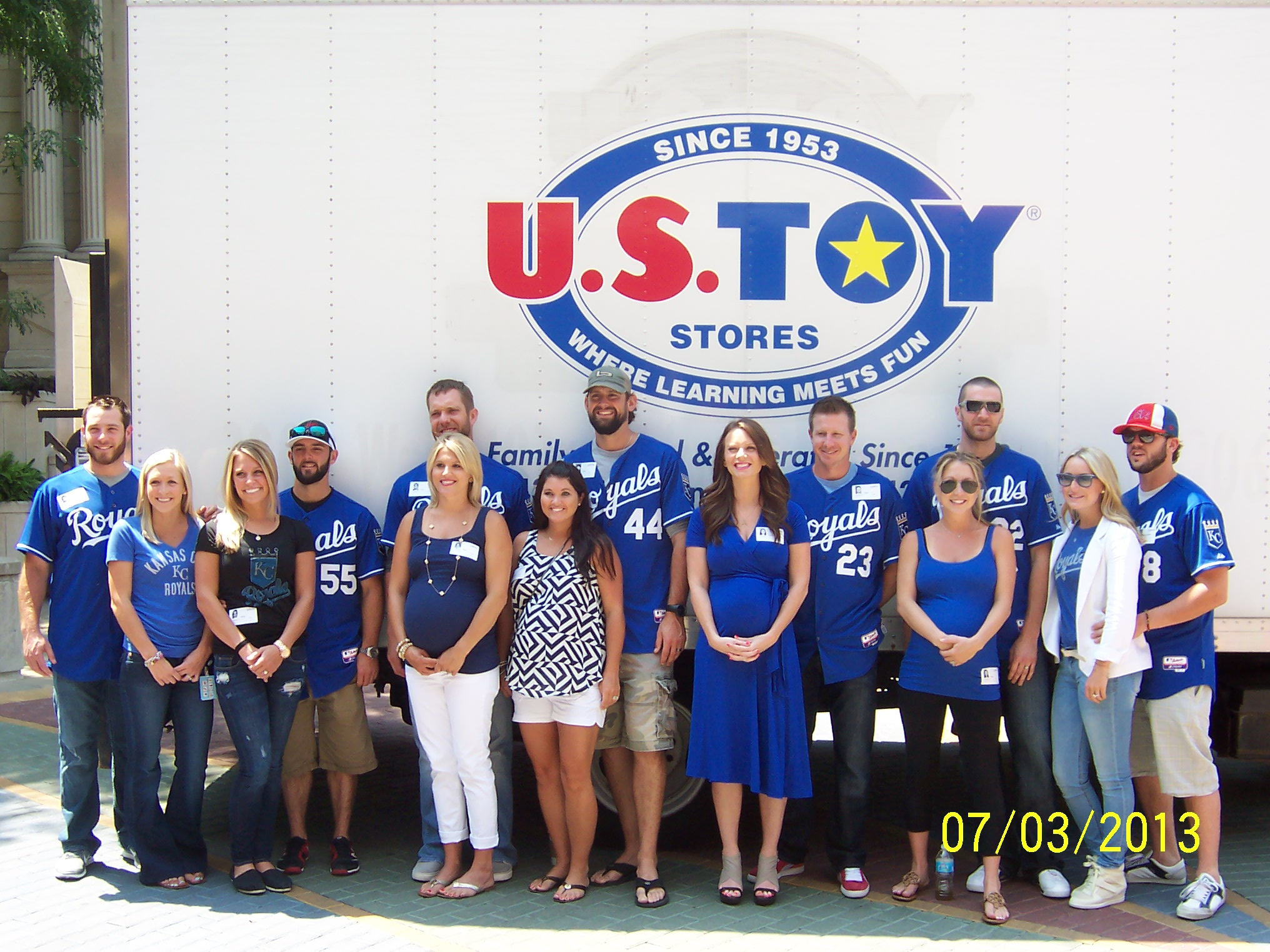 u s toy company cp toys and kansas city royals team up for toys of summer. Black Bedroom Furniture Sets. Home Design Ideas