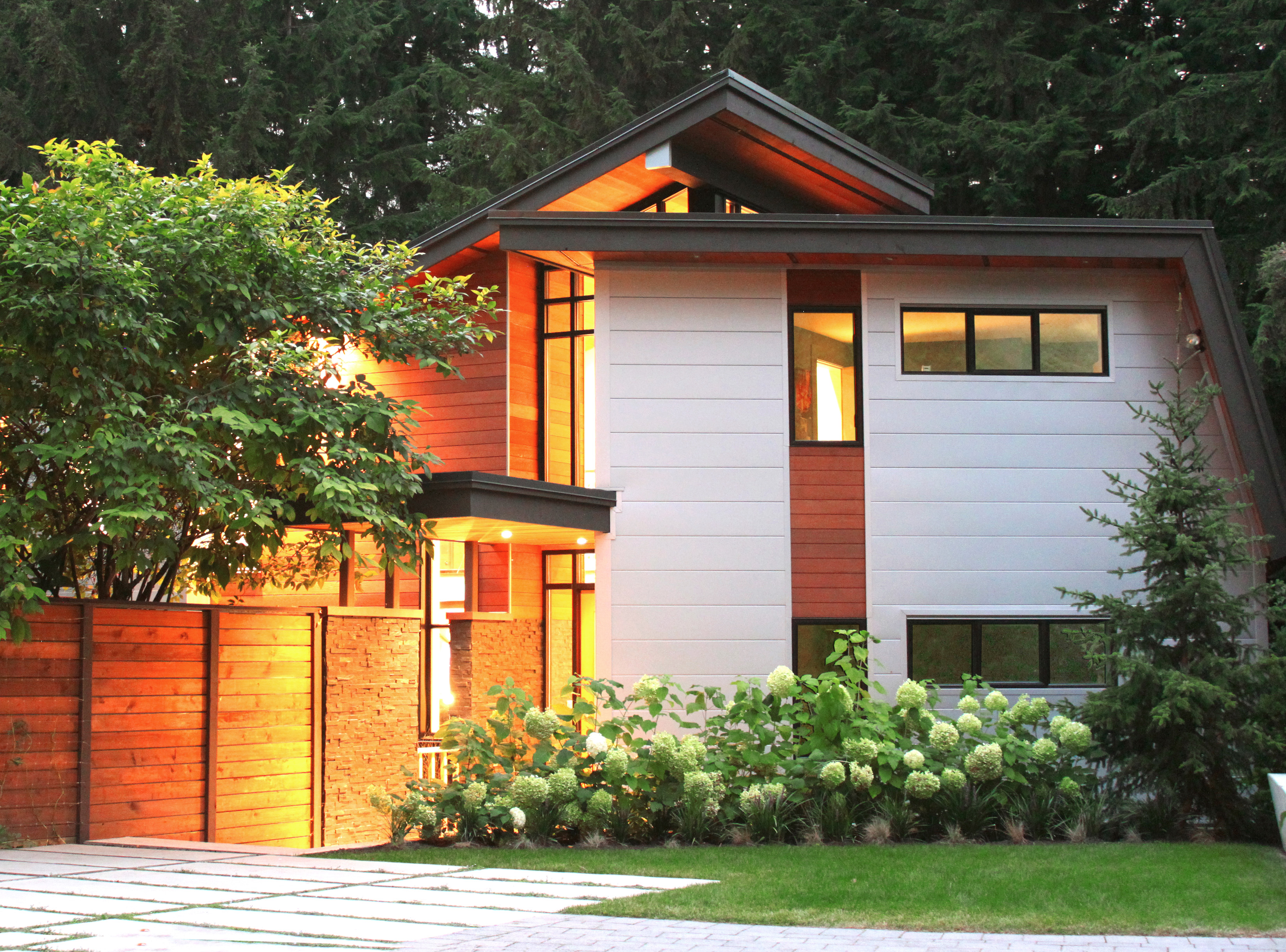 Explore modern homes in the pacific northwest in september for Northwest contemporary homes