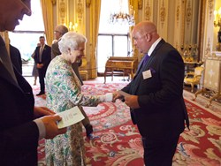 Voipfone's Founder Lee Rose Meets Her Majesty The Queen At Buckingham Palace.