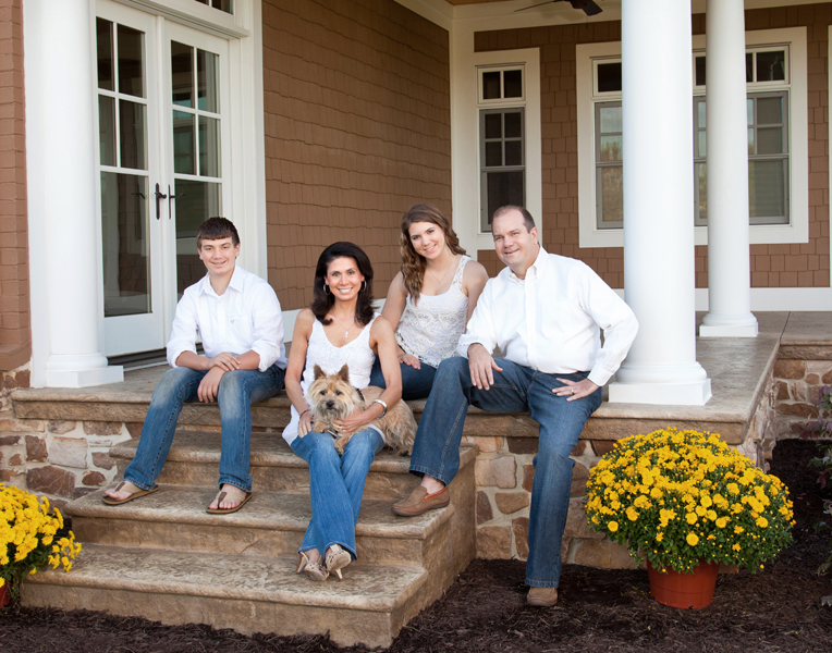 Tips For Late Summer And Fall Outdoor Family Portraits