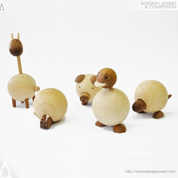 Movable Wooden Animals by Sha Yang