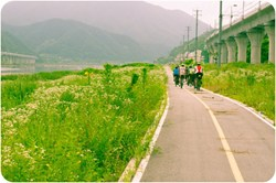 A new bike path system in South Korea draws more adventurers to the country for bicycle tours with BikeToursDirect.