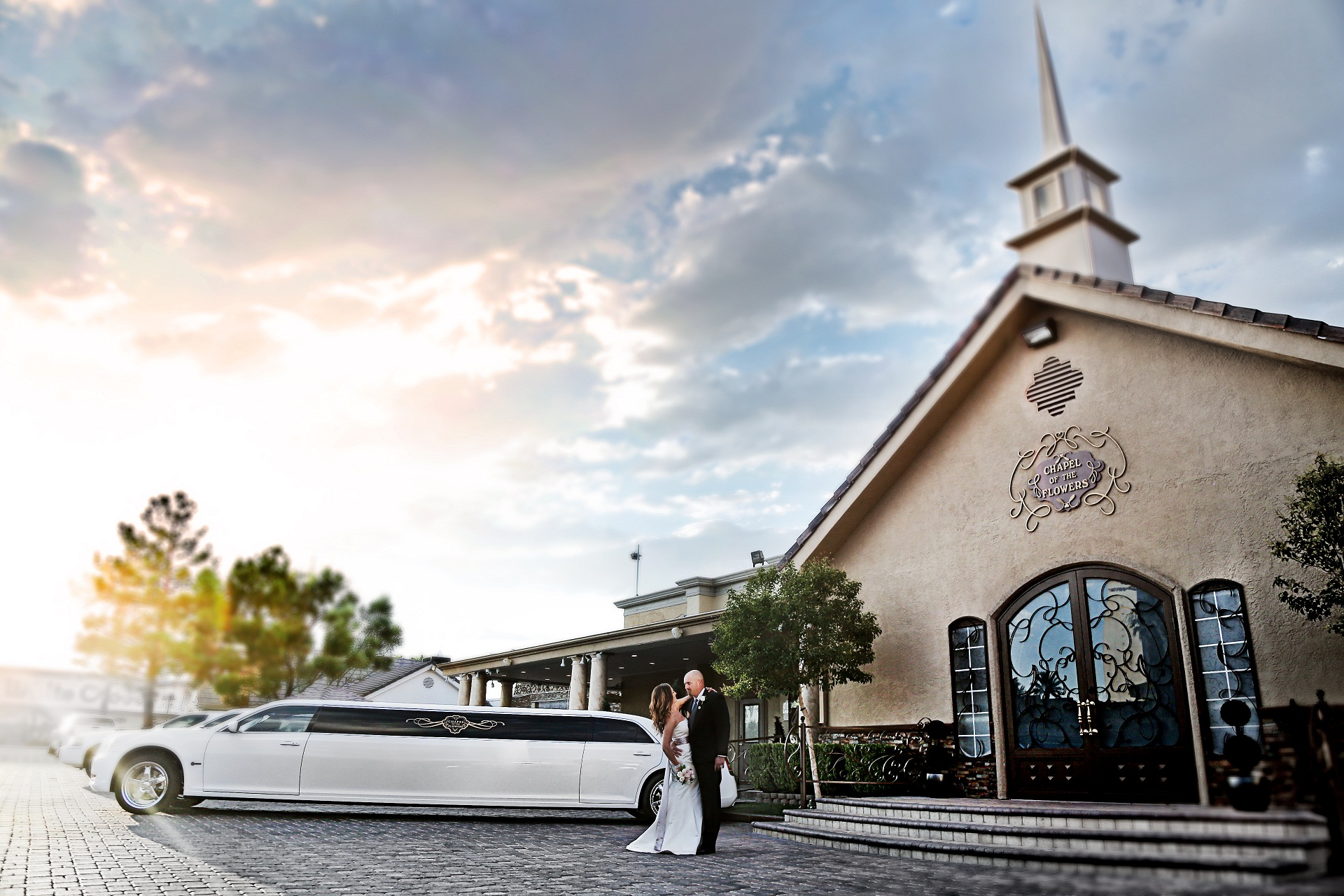 chapel of the flowers rolls in style with new fleet of limos. Black Bedroom Furniture Sets. Home Design Ideas