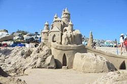 Archisand to sculpt professional Del Sur Sand Homes (sandcastles) at Del Sur in San Diego.