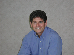 Dr. Wayne Yarbrough is a periodontist in Montgomery, AL