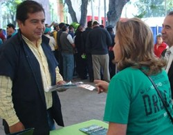 Volunteers from the National Scientology Organization of Mexico made The Truth About Drugs materials available to those involved in drug education and prevention at a July 2013 conference organized by the Secretary of Health of Mexico City.