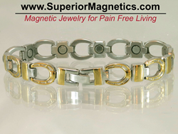 magnetic bracelet with horseshoes