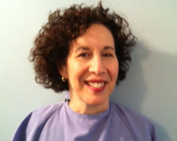 Dr. Susan Goldfarb is a periodontist in Teaneck, NJ