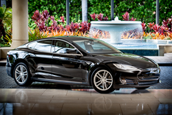 Four Seasons Resort Maui Offers Sleek Luxury Car Pick-up Service in Partnership with Uber