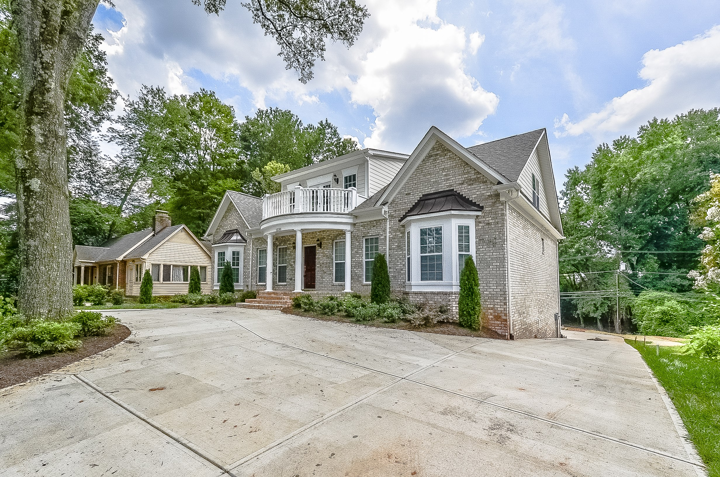 Shea custom completes custom home in historic myers park for Custom house charlotte