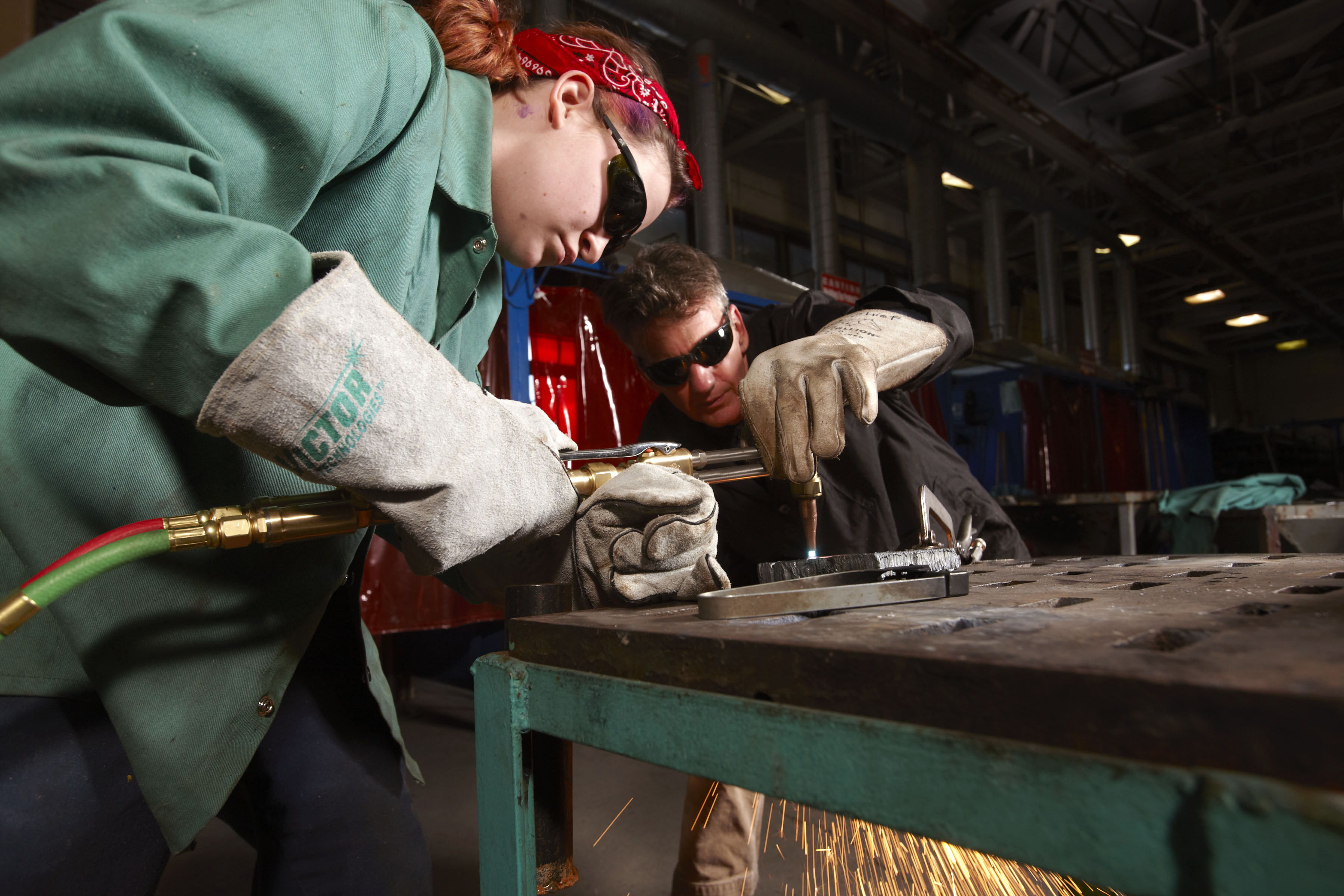 how to become a welding instructor