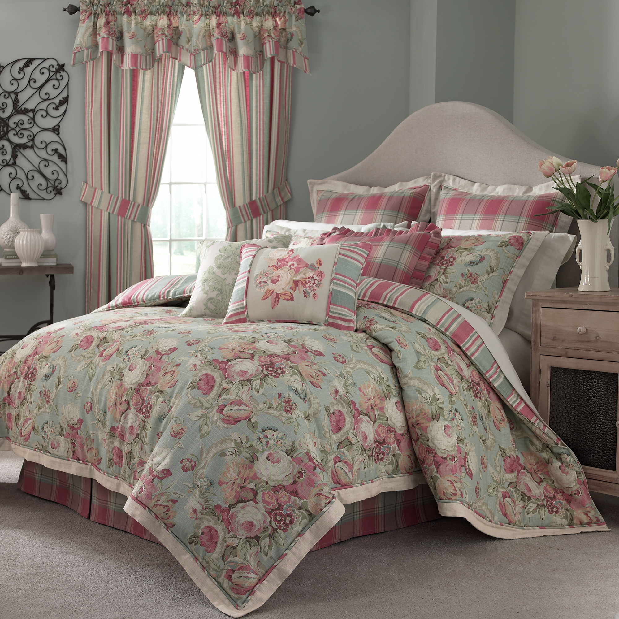 Bedding Decor: Ellery Homestyles Shares The Latest Bedding Trends