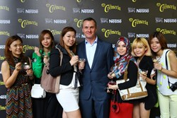 Some of the NuffNang bloggers with Nestle Malaysia Managing Director Alois Hofbauer at the relaunch of NESTLÉ LA CREMERIA 1.2L.