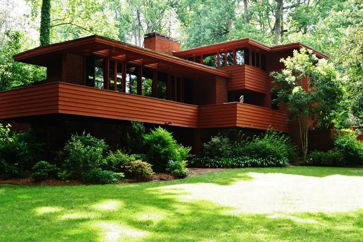 design2sell stages a robert green home frank llyod. Black Bedroom Furniture Sets. Home Design Ideas
