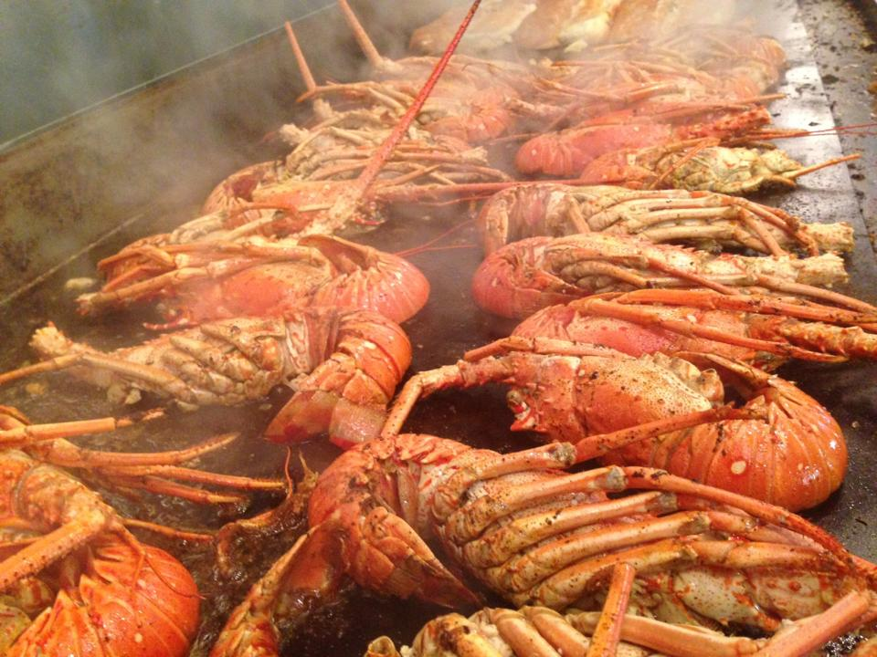 Giant half ton lobster tray set to make history for Port o call san pedro fish market